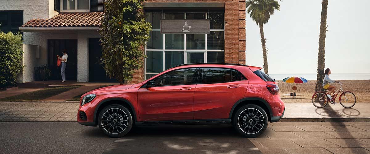 Mercedes GLA ocasión de Cariope color rojo en lateral