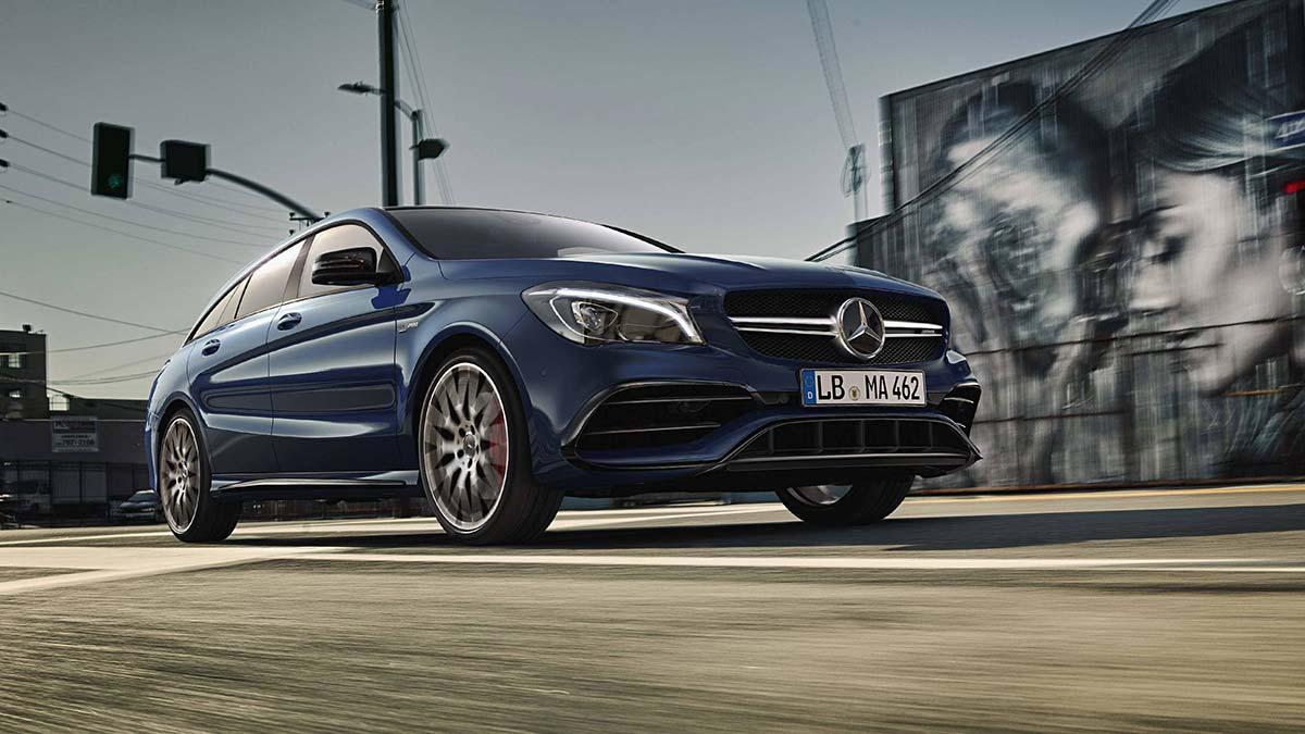 Coche Mercedes Benz Clase CLA en color azul disponible en Cariope