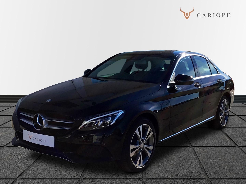 Coche Mercedes-Benz de Cariope en color azul oscuro
