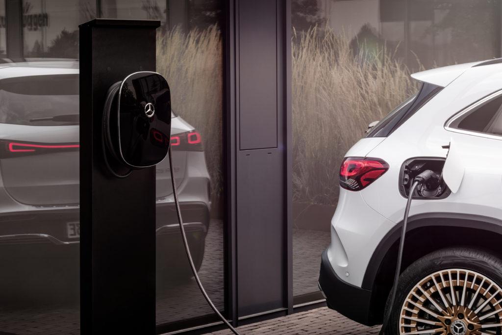 ¿Cuánto tardan en cargarse las baterías de los coches eléctricos Mercedes?